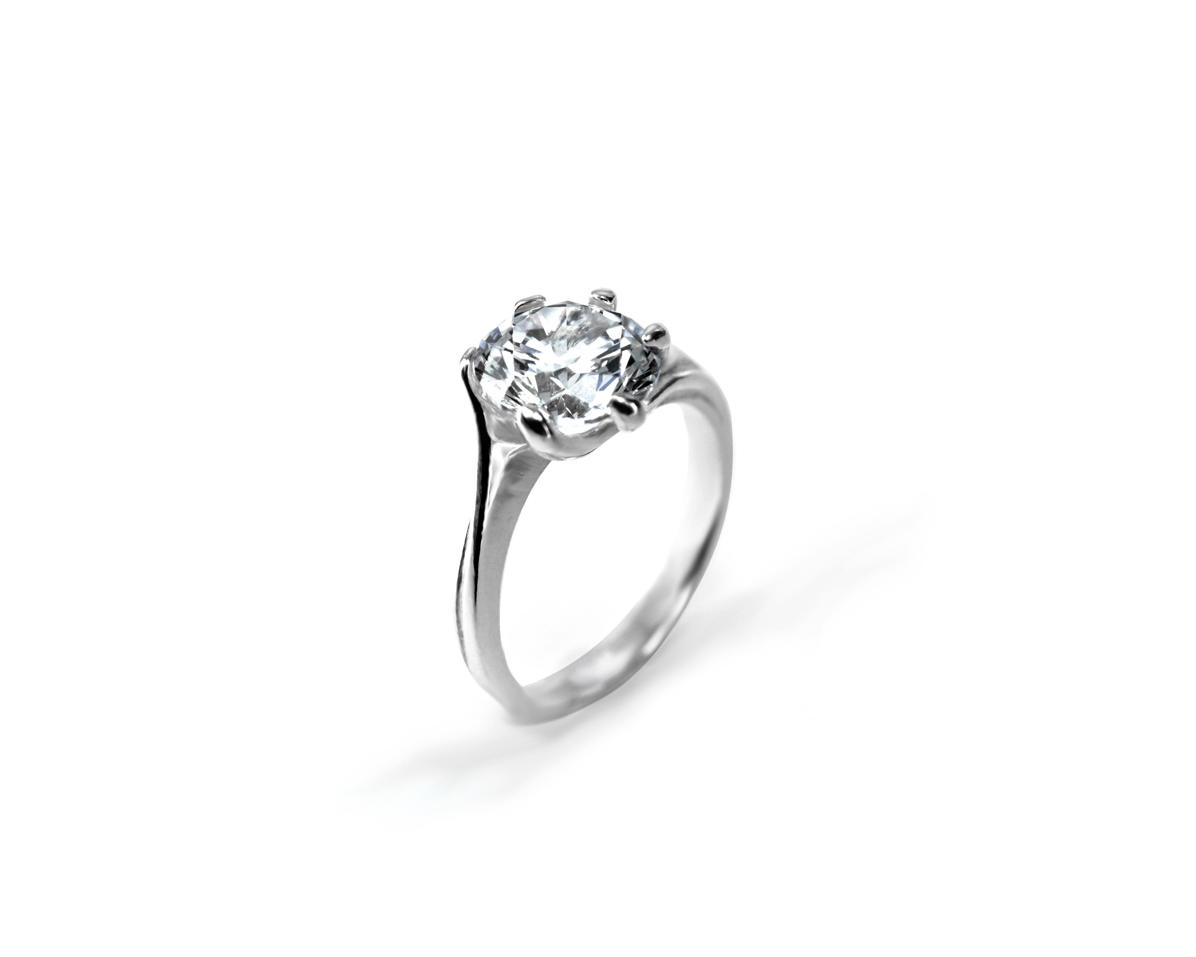 bb698dd83 Zlatý zásnubní prsten Loretta – Šperky Milan Jiříček